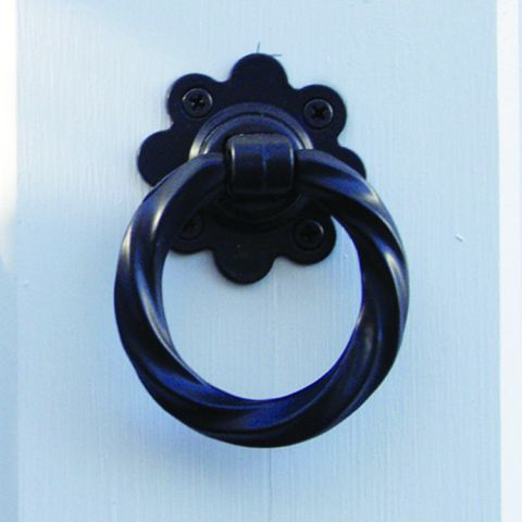 Snug Cottage Hardware Twisted Ring Pull Handle