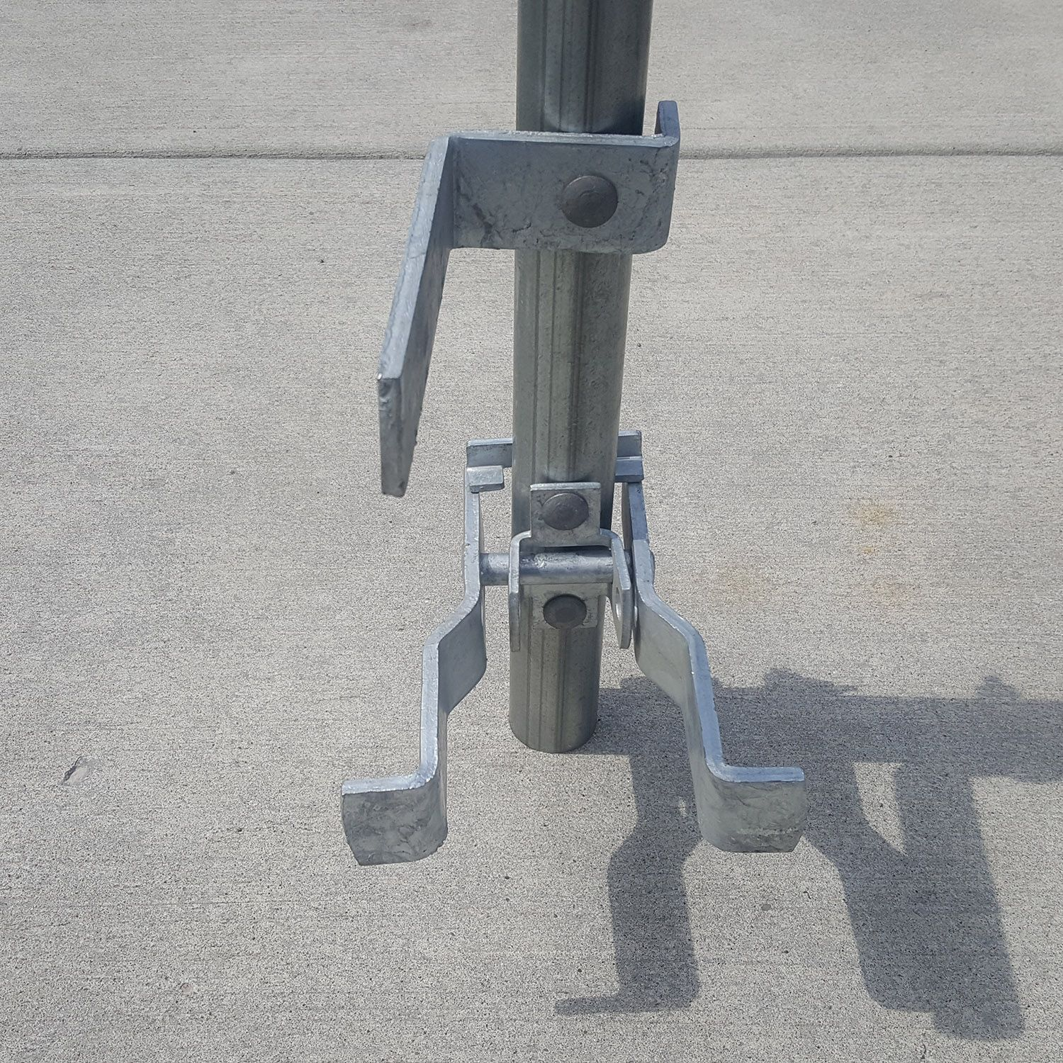 High Point Lacrosse >> Chain Link Fence Gate Fulcrum Latch | Hoover Fence Co.