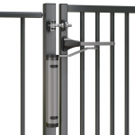 Locinox Verticlose-2 Installed on 180° Swing Gate