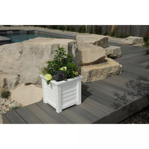 Mayne Lakeland Patio Planter