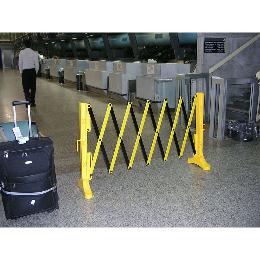 MLR XpanDit Expandable Plastic Barricade - Yellow and Black