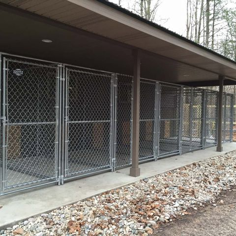 Hoover Fence Chain Link Dog Kennel Panels w/ Gates - Medium Grade - .065 Frame w/ 11 ga. Fabric
