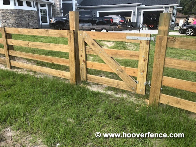 Customer Install - Maine Board Gate Hung with Snug Cottage Wood Gate Hardware - Middleburg, FL