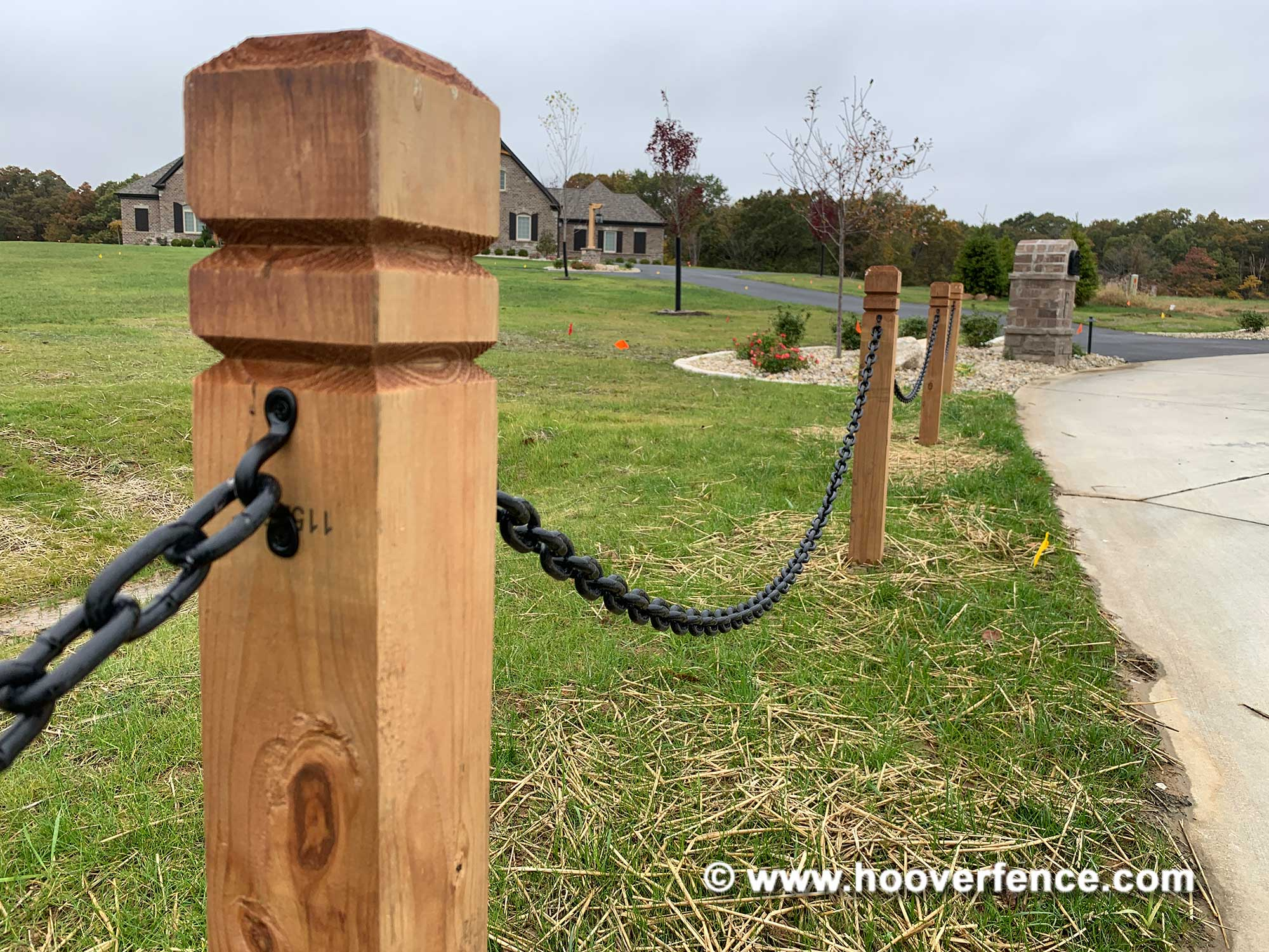 Customer Install - Landscape Chain Installed Using Snug Cottage 3484-B316 Link to Screws