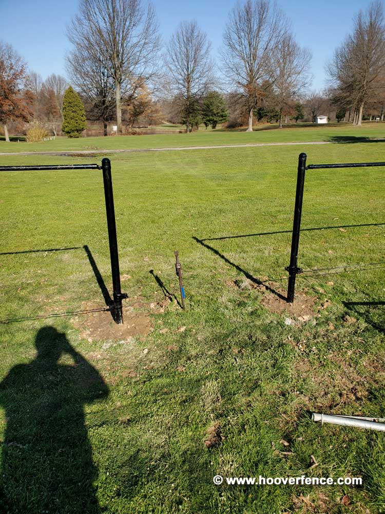 Hoover Fence Co Installation - 4'H x 500' Black Chain Link Fence Kit - Champion, OH