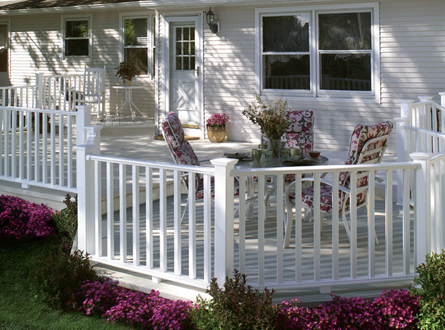 Evernew Kingston Vinyl Railing